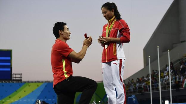 Chinese diver Qin Kai proposing to fellow diver He Zi