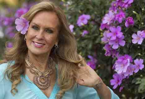 Heloísa Pinheiro in her 60s.