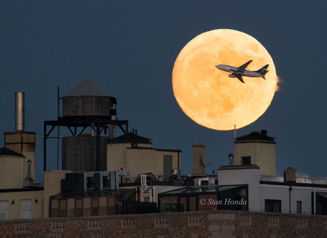 LaGuardia Airport, NY Super Moon